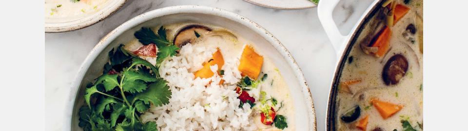 Кокосовый суп с бататом и кейлом: рецепт приготовления
