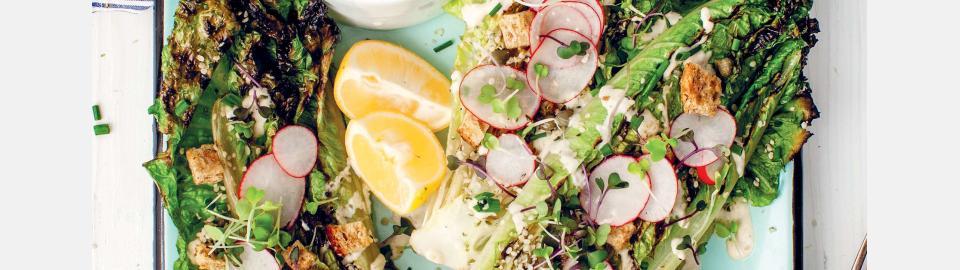 Романо на гриле с веганским соусом «Цезарь»: рецепт приготовления