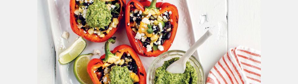 Перец, фаршированный черной фасолью и манго: рецепт приготовления