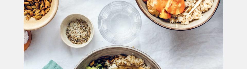 Боул мохо с черной фасолью и мангольдом: рецепт приготовления